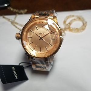 ⬇️ Nixon All Rose Gold Facet 38 watch